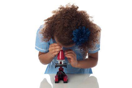 Mikroskop für Kinder - Fotolia_90458746_XS-compressor